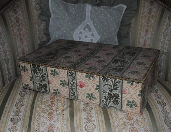 Vecchia scatola francese stile boudoir