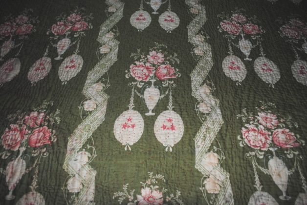 Durham quilt green ovale medallions