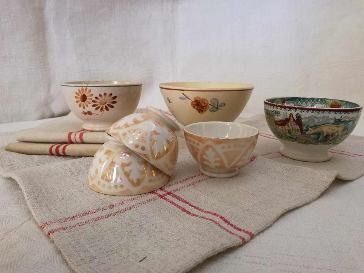 Brown & beige French bowls