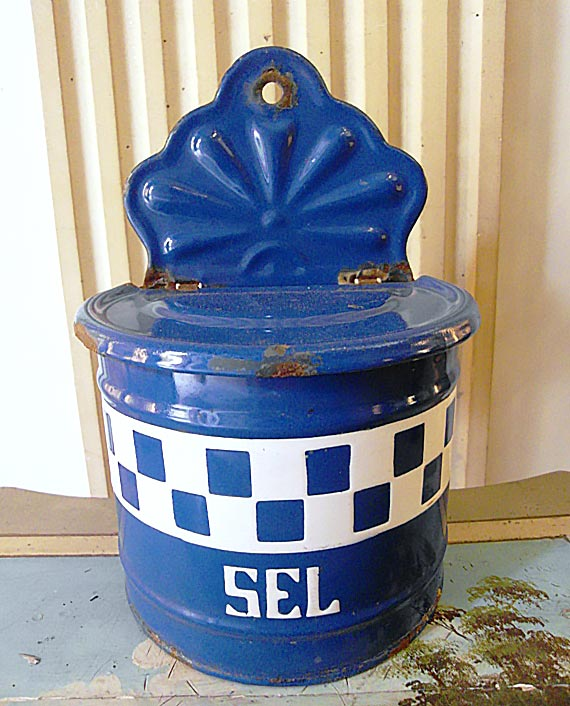 Enameled blue&white checks salt box