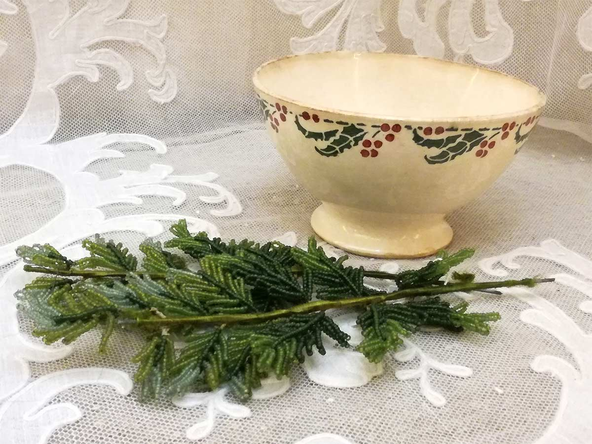 Antique French bowl houx