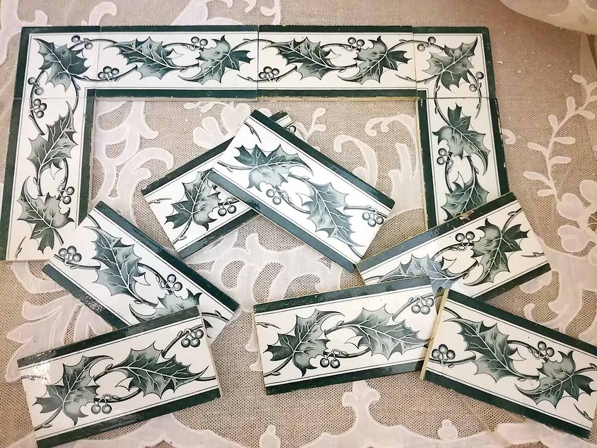 Antique French tiles houx