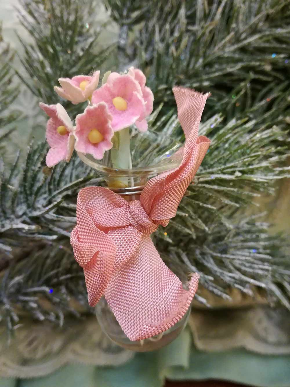 Tussie mussie glass vase Xmas tree