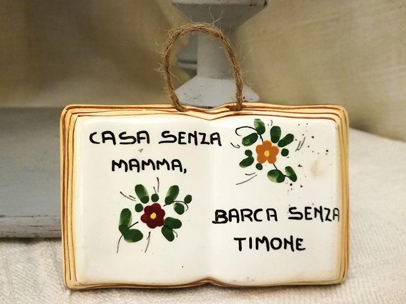 Placche antiche in ceramica festa della mamma libro