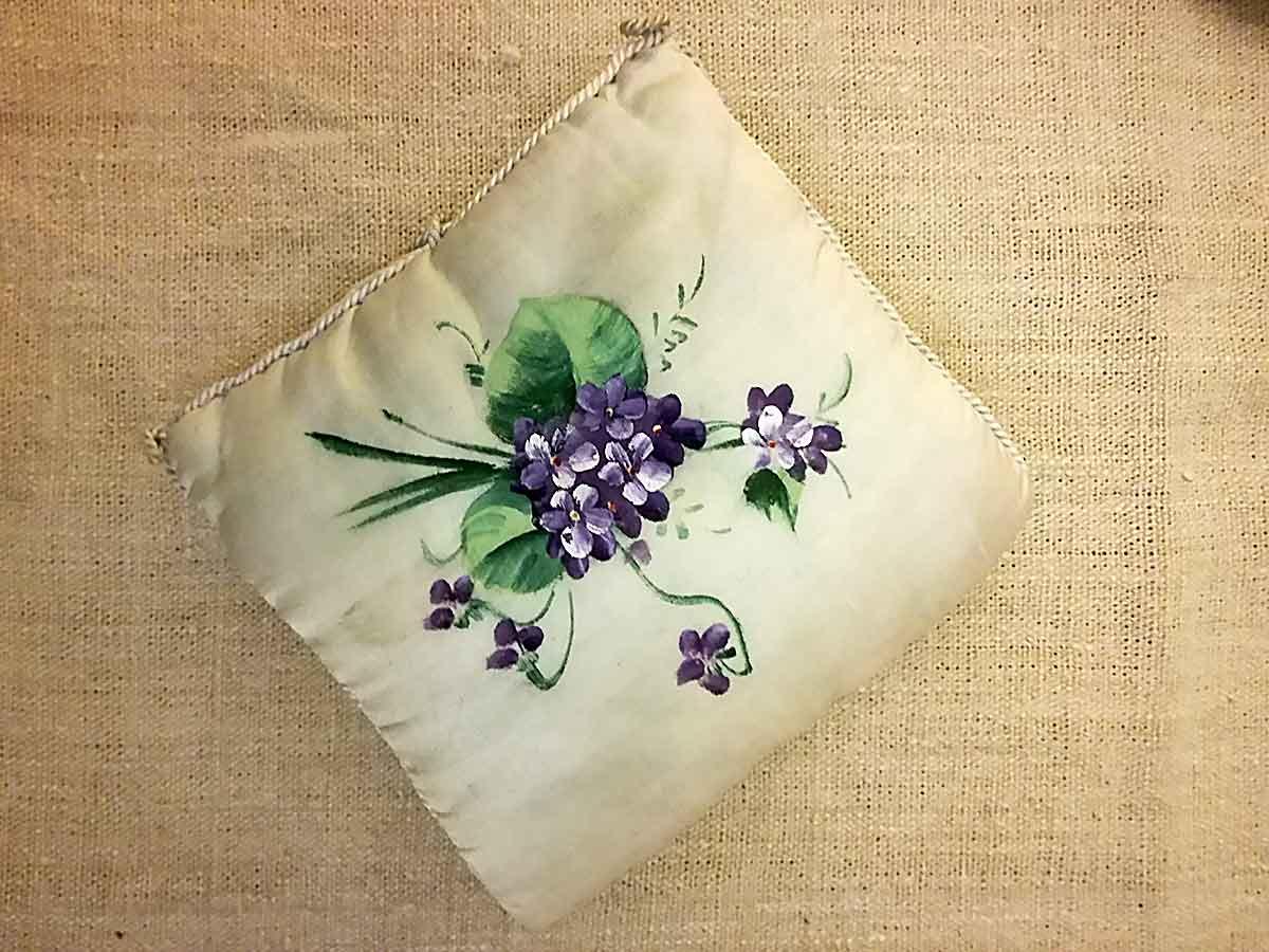 Portafazzoletti-con-violette