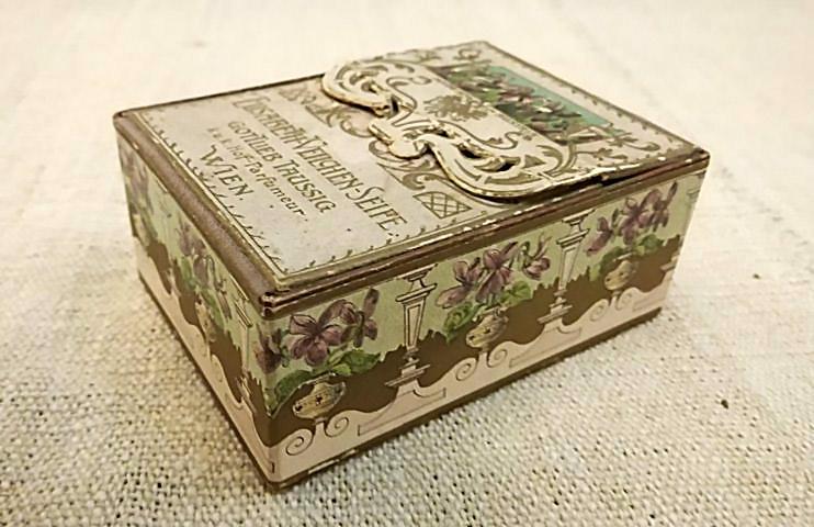 scatolina-antica-sapone