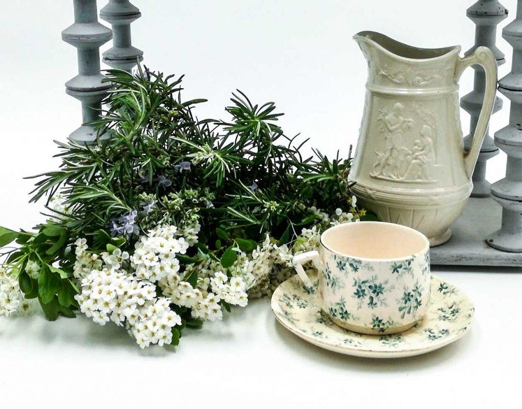 Tazza caffè latte francese antica a fiorellini