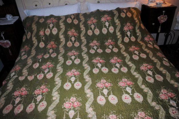 Durham quilt green full