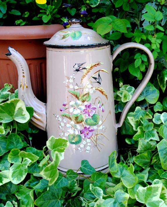 Enameled pink coffee pot -Smalti francesi