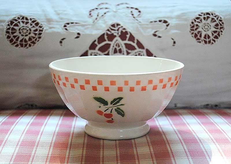 French bowl cerises