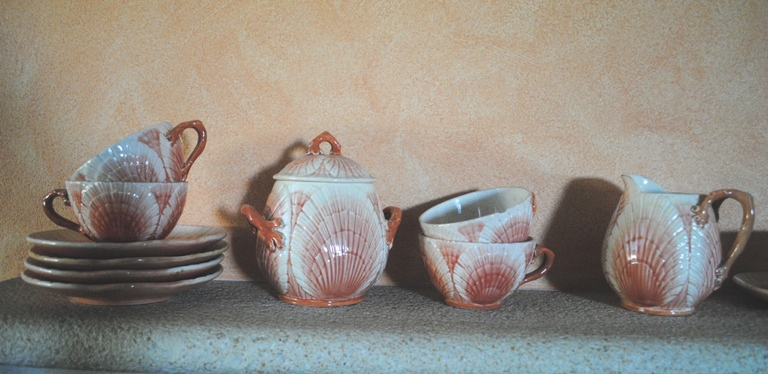 Barbotine tea set shells sarreguemines