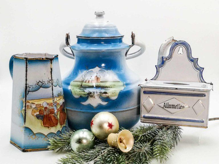 Il Natale con gli smalti azzurri