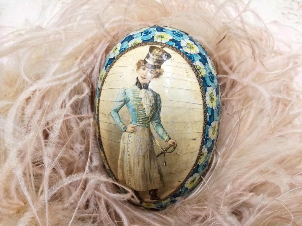 Uovo di Pasqua antico stile inglese