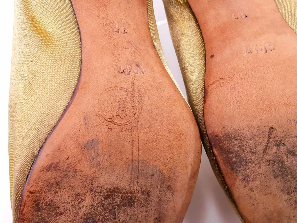 Scarpe eleganti antiche